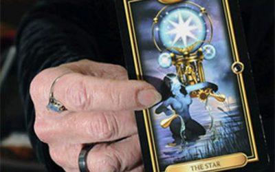 career-in-tarot-card-reading