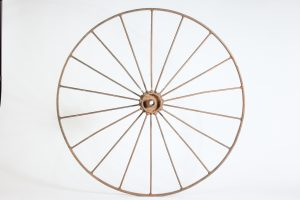 INV121-Wagon wheel metal
