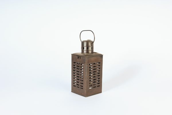 INV765-Lantern-Brown Metal-02