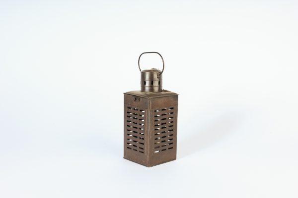 INV765-Lantern-Brown Metal-02