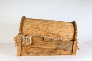 INV786-sunken treasure chest