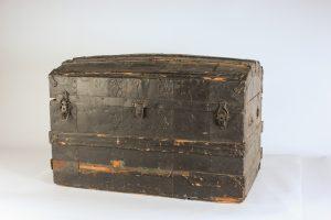 INV878-treasure chest pleather