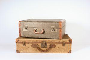 IVN1278-Vintage suitcases