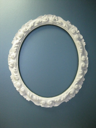 Vanity Fair Picture Frame – Oval