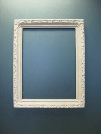 Vanity Fair Picture Frame – Rectangle – White